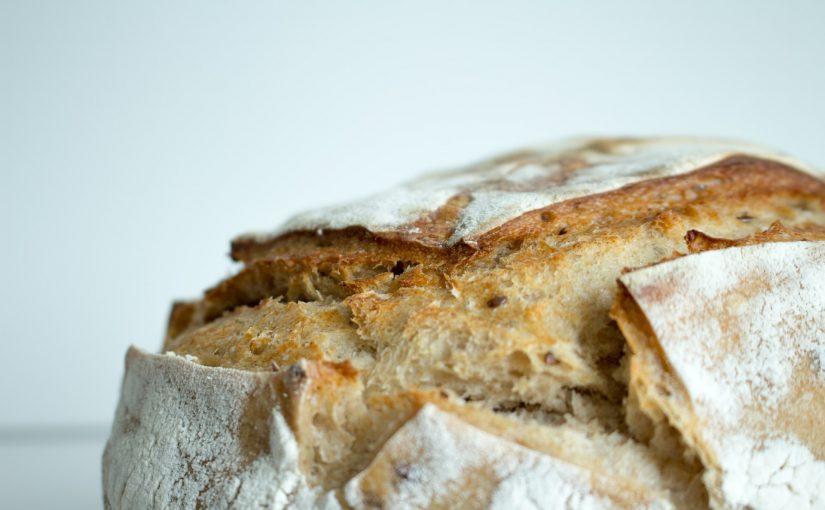 Aprenda a fazer pão caseiro de forma simples, fica delicioso