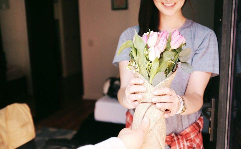 Nunca espere por datas especiais para conquistar ou agradar alguém, pequenas coisas fazem a diferença