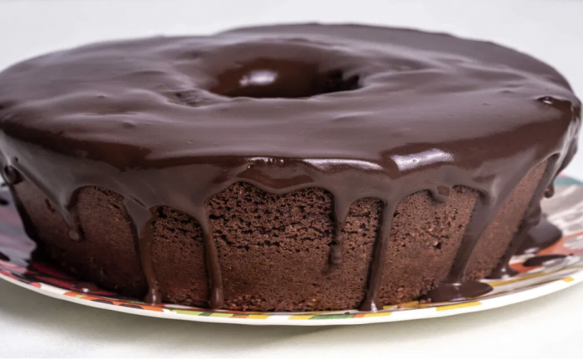 Receita de Bolo de café com cobertura de chocolate