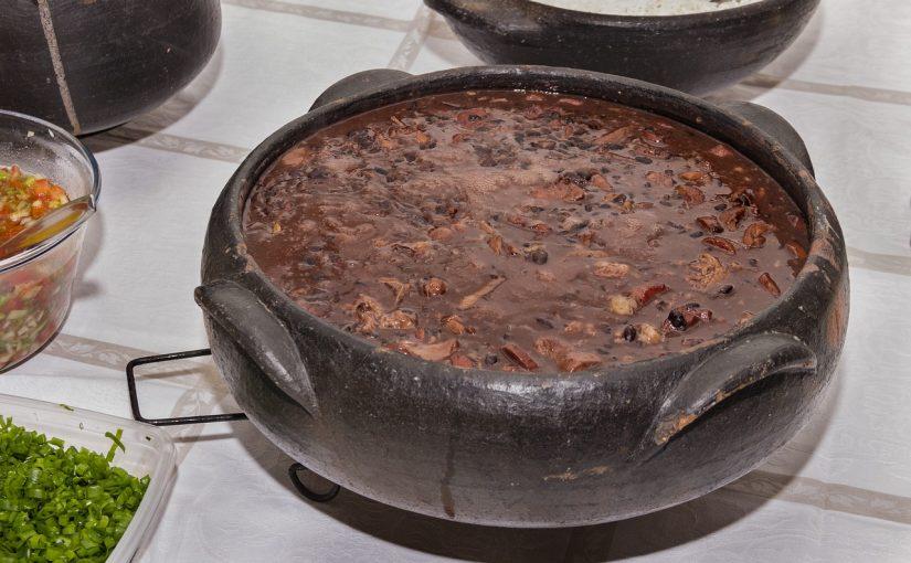 Receita de Feijoada tradicional brasileira