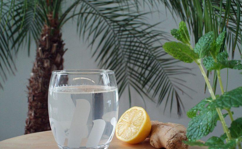 4 bebidas que ajudam a limpar o fígado e perder peso