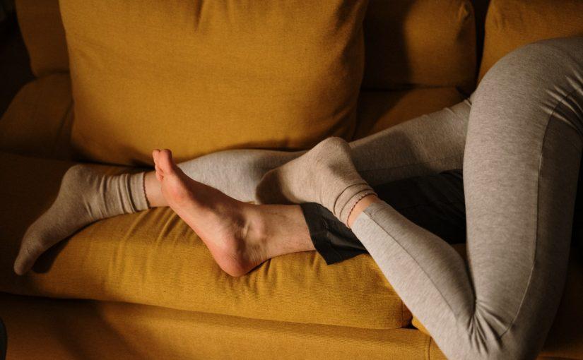 A posição que o casal dorme revela como está a relação