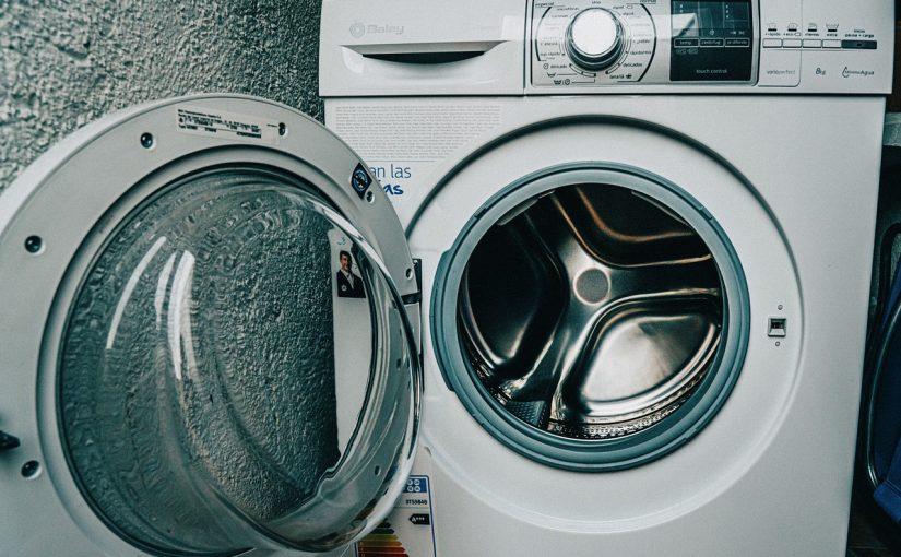 Aprenda a usar o vinagre para deixar suas roupas e máquina limpinhas