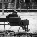Idosos abandonados pelos filhos são os novos desvalidos do século