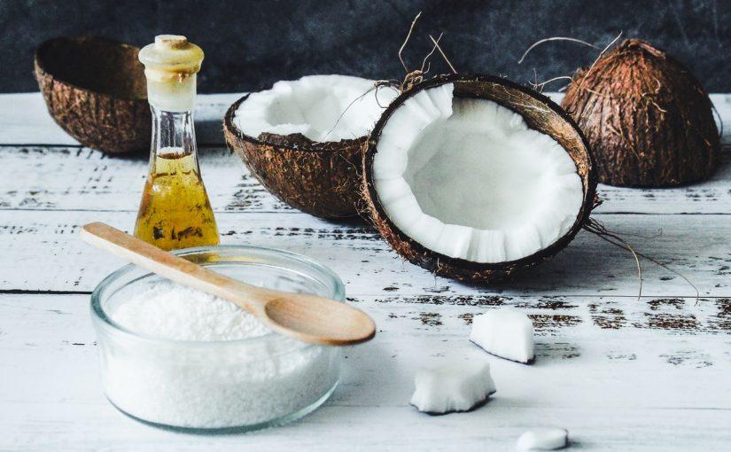 Óleo de coco controla compulsão por carboidratos, conheça os  benefícios desse óleo milagroso