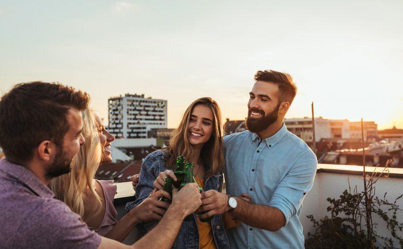 Os 4 signos que colocam a amizade em primeiro lugar