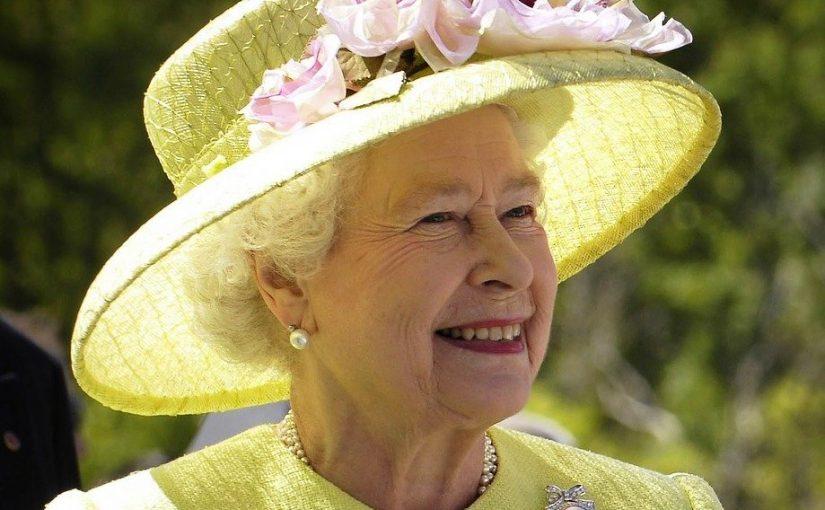 Rainha Elizabeth procura nova empregada, paga 1850 Libras e são apenas 770 quartos para limpar