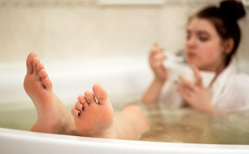 Tomar banho todos os dias não é muito boa ideia, tudo gira em torno da ciência, do corpo e da pele