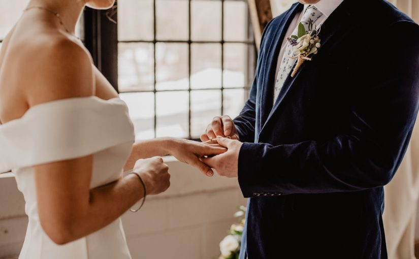 Mulher não convida a sua irmã autista para o seu casamento, a atitude gerou indignação e ficou viral